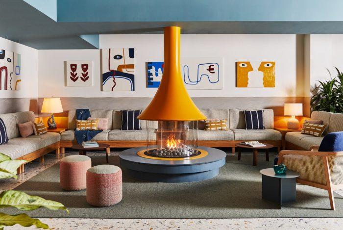 Onverwachte kleurencombinaties: We stelen van dit funky nieuwe hotel…